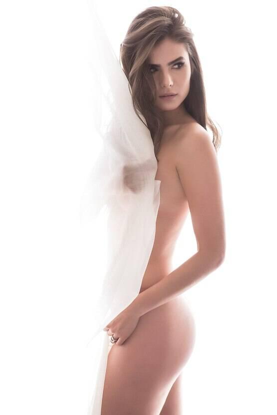 Flavia Marins 17 - por Michelle Moll