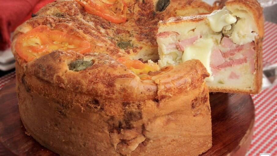 Torta-pizza de presunto e calabresa para fazer hoje mesmo