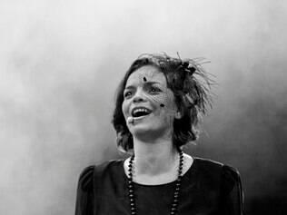 Musical - Espetáculo faz homenagem ao centenário de Édith Piaf reconstituindo seu início de carreira e auge