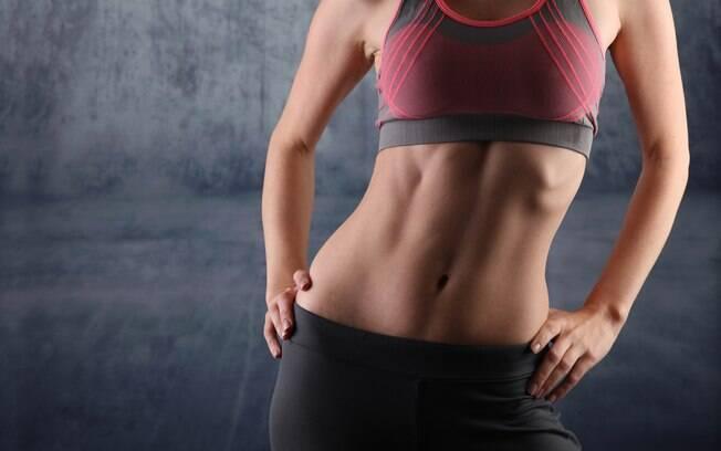 Exercícios que trabalham abdomên ajudam a deixar a silhueta mais feminina