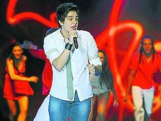 """Fenômeno. Luan Santana promete cantar sucessos como """"Amar Não é Pecado"""", """"Meteoro"""" e """"Um Beijo"""""""
