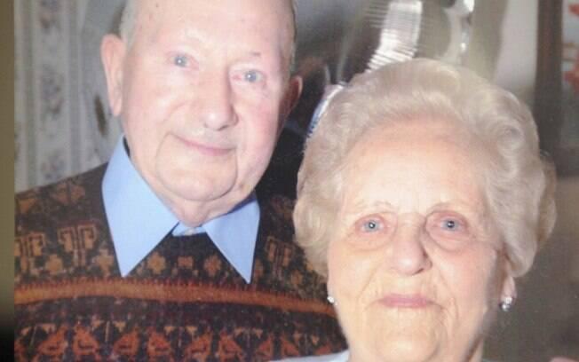 Os idosos Frank e Joyce Dodd foram casados por 77 anos e morreram no mesmo dia