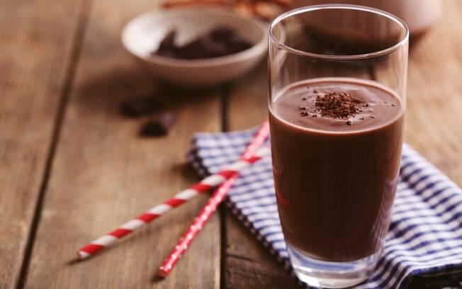 Achocolatado é feito%2C na verdade%2C a partir de uma mistura baseada ente leite%2C chocolate e açúcar%2C nada realmente natural
