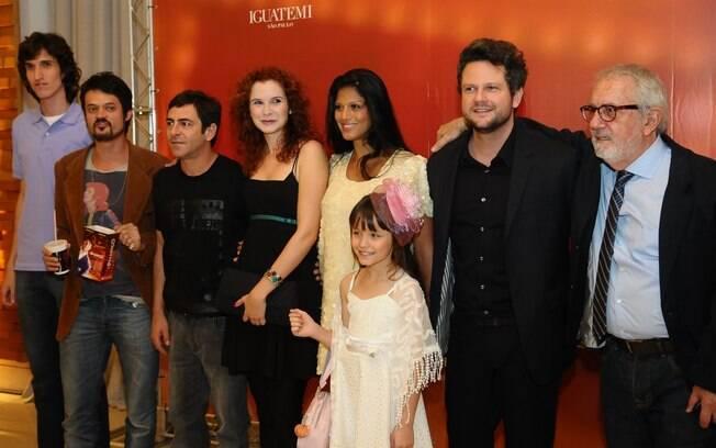 Elenco do filme O Palhaço se reúne em pré-estreia