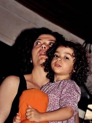 Ana Vogel levou as duas filhas: