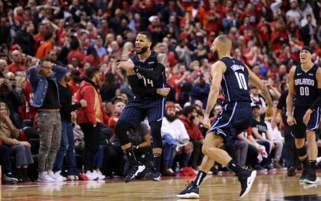 Magic venceu o Toronto Raptors com cesta nos últimos segundos