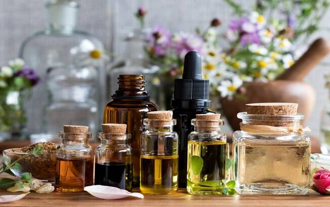 Conheça 6 óleos essenciais que auxiliam na saúde feminina