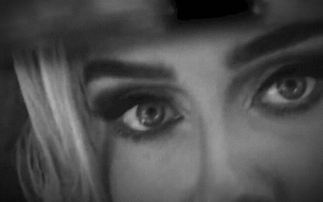 """Adele anuncia retorno à música com novo single """"Easy On Me"""""""