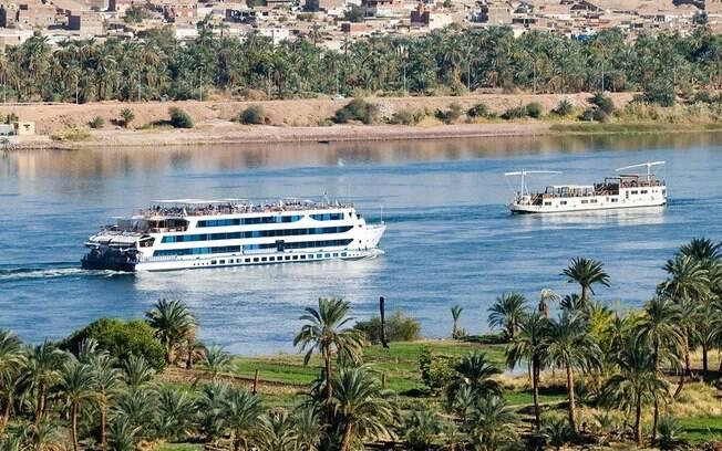 O cruzeiro no Rio Nilo possibilita chegar a outros pontos turísticos