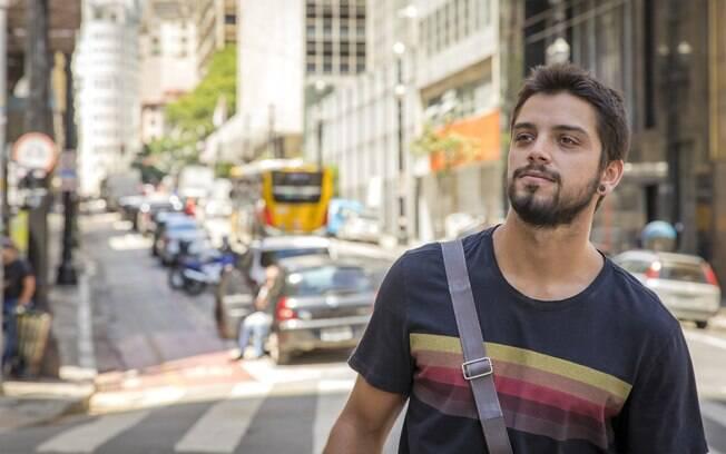 Rodrigo Simas interpreta Bruno em