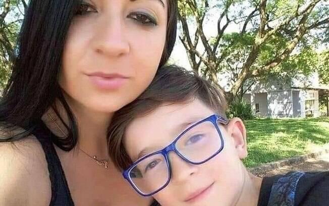mulher com menino