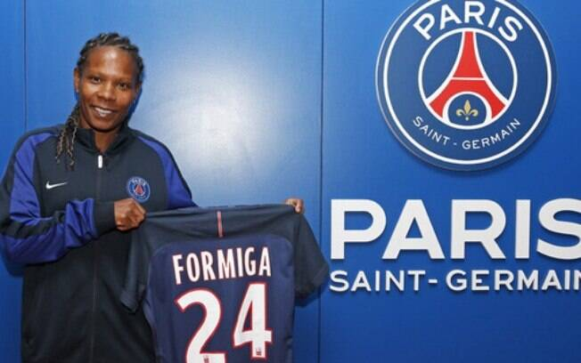 Aos 38 anos, Formiga assinou por seis meses com o Paris Saint-Germain