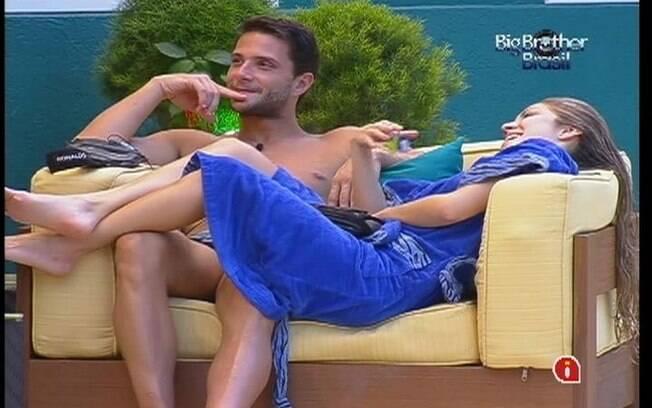 Renata e Ronaldo falam de Jonas