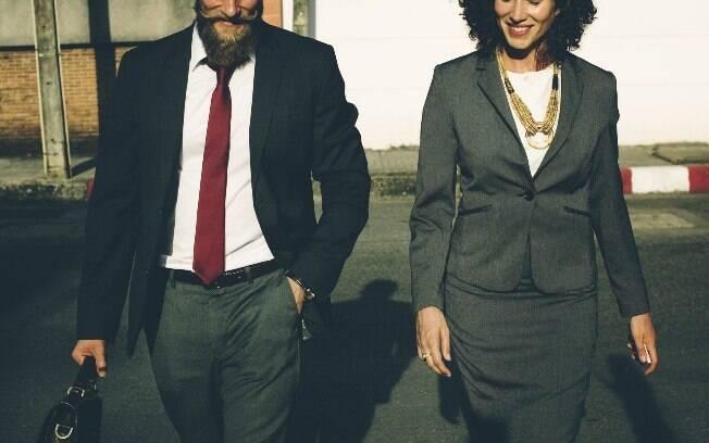 Mulheres em cargos de chefia chegam a ganhar um terço do salário pago aos homens que ocupam a mesma função