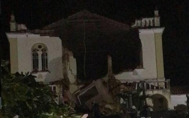 Imagens mostram como ficou igreja após desabamento do teto