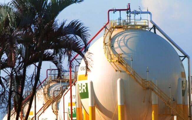 Petrobras espera acompanhar melhor a volatilidade crescente da taxa de câmbio com ajustes dos preços nas refinarias