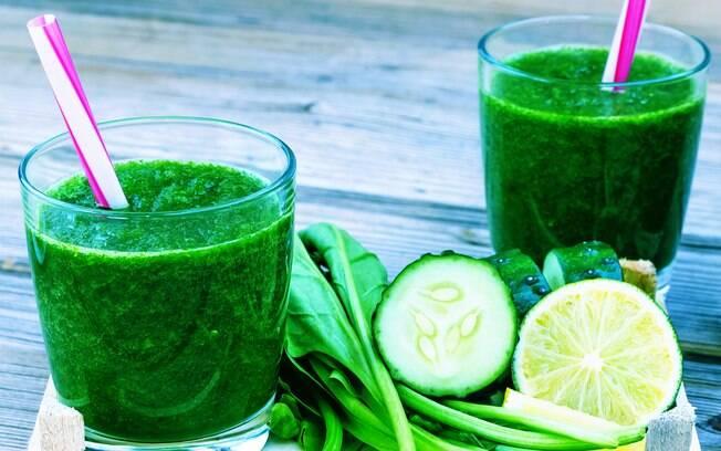 Limão combina com suco verde e dieta detox