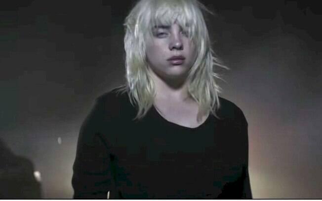 Billie Eilish supera Adele permanecendo no topo da Billboard Artist 100