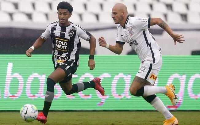 Corinthians vence e dificulta situação do Botafogo no Brasileirão