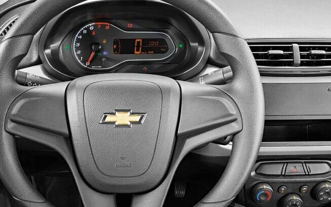 Chevrolet Prisma Joy 2019 não vem com sistema de som de série. Conta apenas com preparação para ser instalado