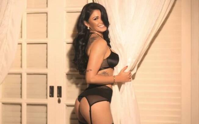 Nathy Kihara esbanja toda sua beleza e sensualidade para a capa da revista Sexy