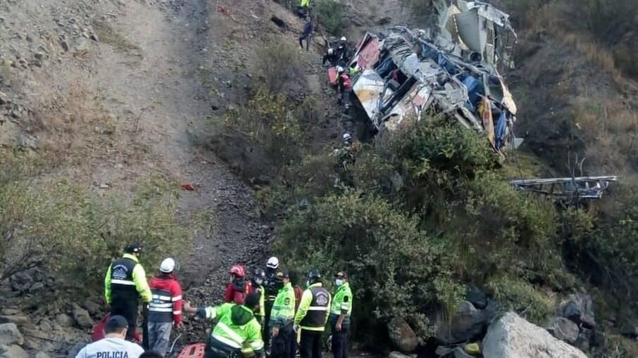 O veículo transportava 63 pessoas