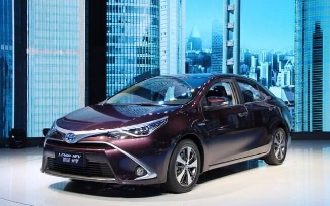 Toyota Corolla híbrido plug-in: pode ter as baterias recarregadas em tomadas domésticas entre as vantagens