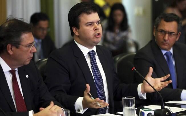 Segundo Coelho Filho, Eletrobras poderá ter energia mais barata com a iniciativa privada