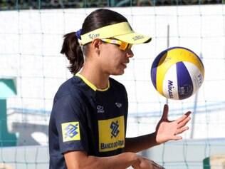 Juliana voltou a ser desligada da seleção brasileira de vôlei de praia