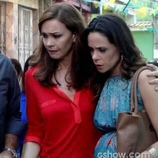 Juliana foge com Bia em 'Em Família'