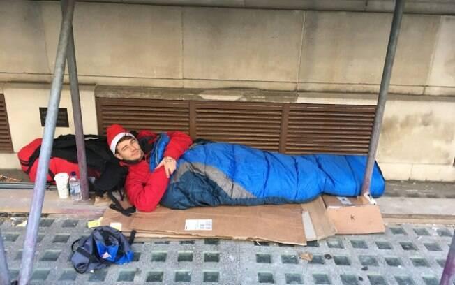 Estudante de Londres vive nas ruas por um mês para doar dinheiro aos mendigos