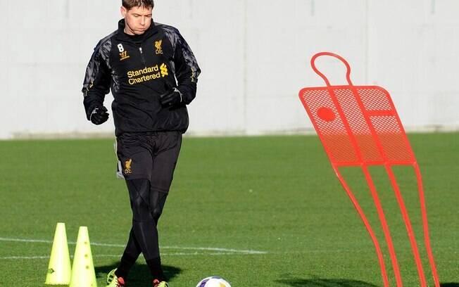 Steven Gerrard, ex-meio-campista do Liverpool