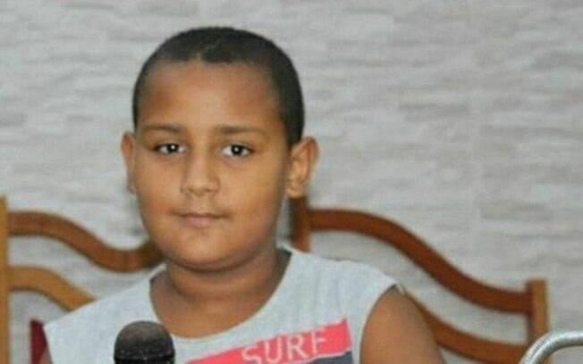 Leônidas, de 12 anos, foi atingido na cabeça durante tiroteio na Avenida Brasil