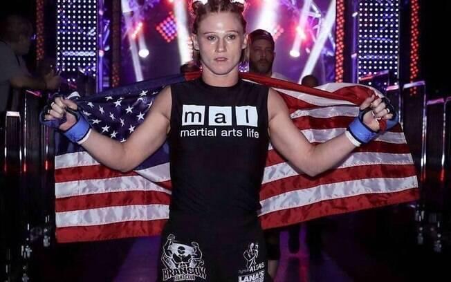 Ex-lutadora de MMA morreu após sofrer um aneurisma