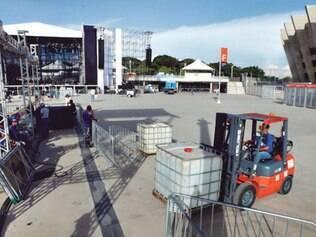 Montagem do palco principal do festival que será realizado hoje