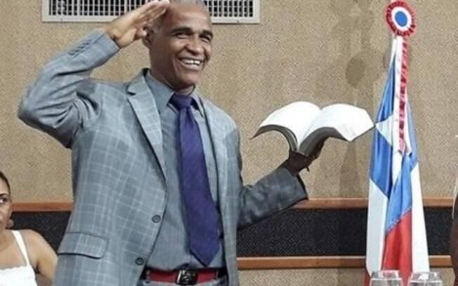 Projeto de autoria do deputado Isidório quer tornar bíblia patrimônio nacional