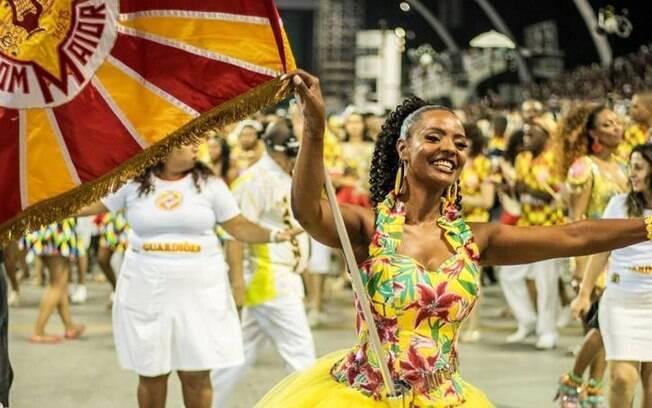 cf8288ef622bd Para vencer o carnaval%2C as escolas têm que se preparar para enfrentar  todos os