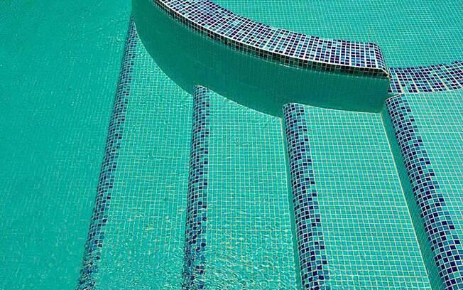 Com bonito acabamento, as pastilhas de vidro Crystal custam R$ 253,17 (m²) na Ibiza Acabamentos. Foto: Divulgação