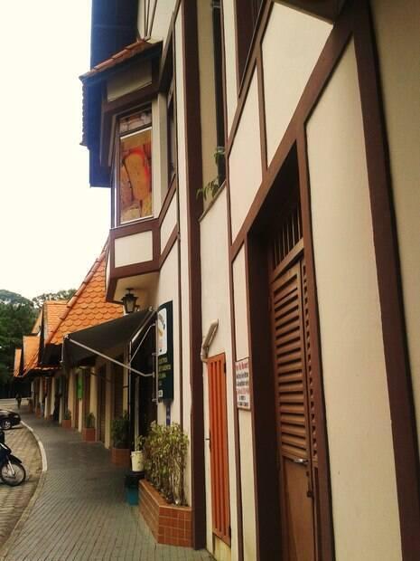 Lojas da Rua Minas Gerais em perfil