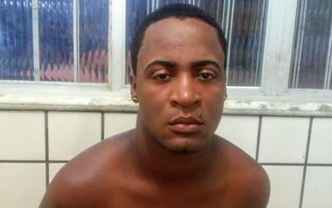 Homem foi preso em flagrante após filho entrar em coma alcoólico por ingerir cachaça