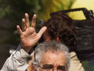 FILE--Gabriel Garcia Marquez, a Nobel Prize-winning Colombian author, waves to local residents during the inauguration of peace talks in San Vicente del Caguan's main square, 300 kilometers (186 miles) south of Bogota, Colombia in this Thursday, Jan. 7, 1999 file photo. In  an interview published Sunday, Dec. 10, 2000 in El Tiempo newspaper in Colombia Garcia Marquez said that being diagnosed with lymphatic cancer was an