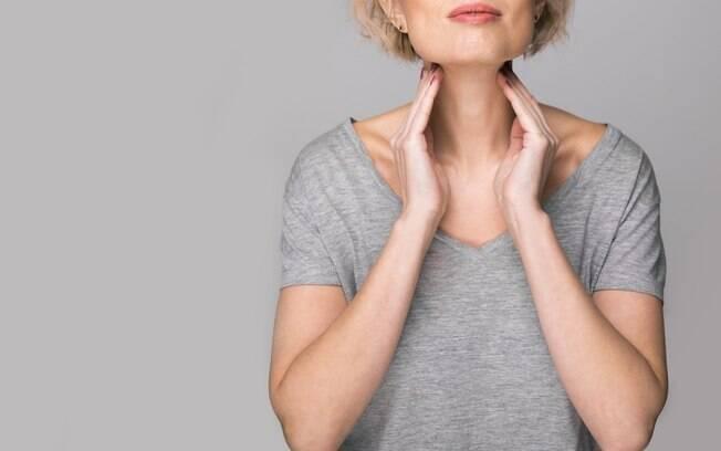 Tireóide é regulada por hormônios, assim como a menstruação, e quando uma está desregulada, a outra também pode ficar
