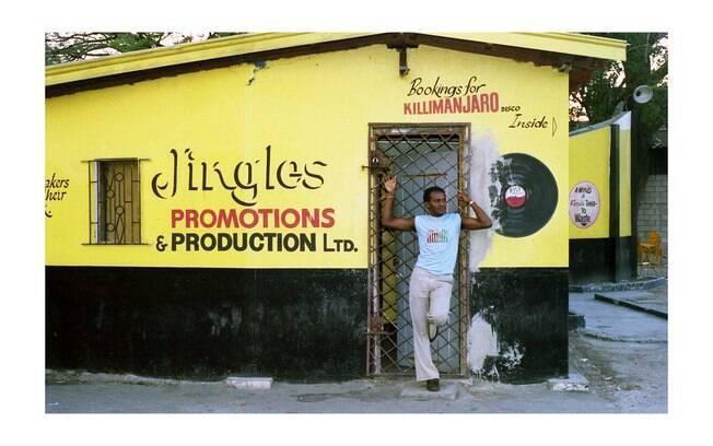 A mostra se divide em núcleos com elementos marcantes da cultura Jamaicana