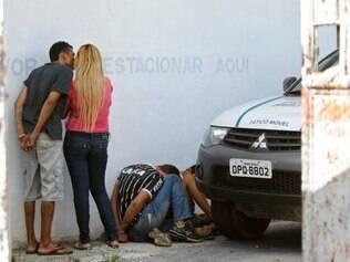 CIDADES - SANTA LUZIA MG - BRASIL - 11.12.2014 - Presos suspeitos de pertencerem a organizacao criminosa conhecida como PCC ( Primeiro Comando da Capital ) em Santa Luzia MG. Foto: Andre Rodrigues / O Tempo