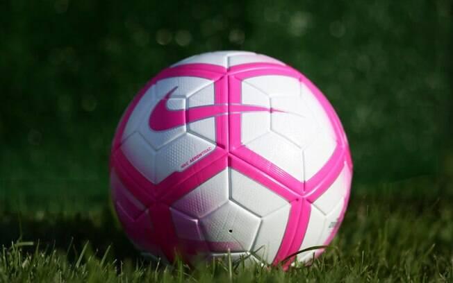 Bola do Outubro Rosa será usada na próxima rodada do Brasileirão