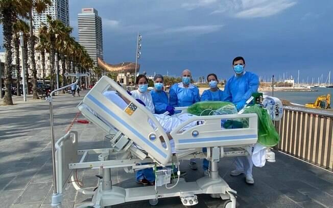Localizado próximo de praia em Barcelona, Hospital Del Mar inovou na recuperação dos pacientes de Covid-19