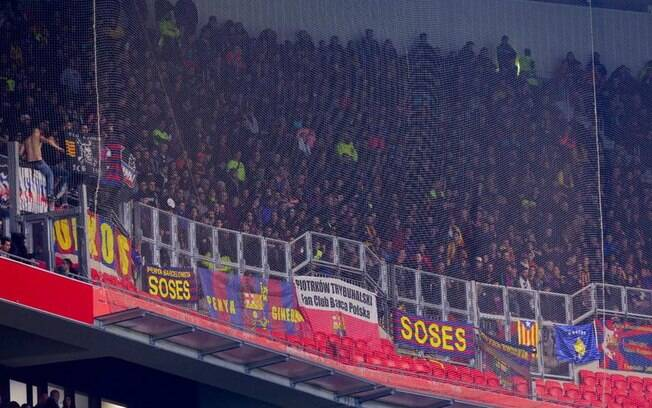 Torcida do Barcelona teve conflitos depois de jogo da oitavas da Liga dos Campeões da Uefa