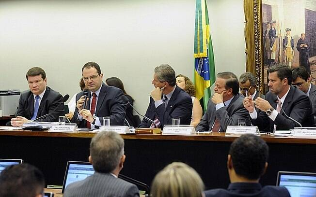 O ministro da Fazenda, Nelson Barbosa, depôs a favor da presidente na comissão do impeachment