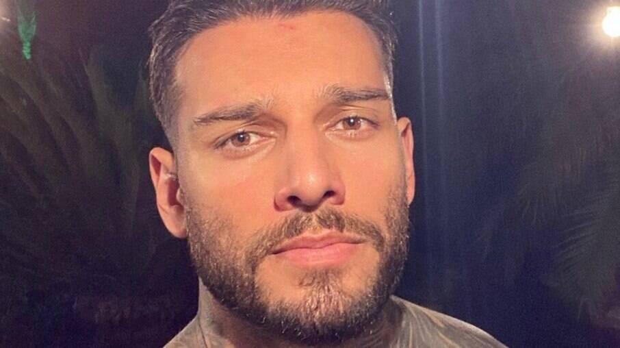 Lucas Lucco reverte harmonização facial