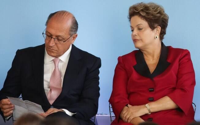 O governador paulista ao lado da presidente da República em evento em maio do ano passado